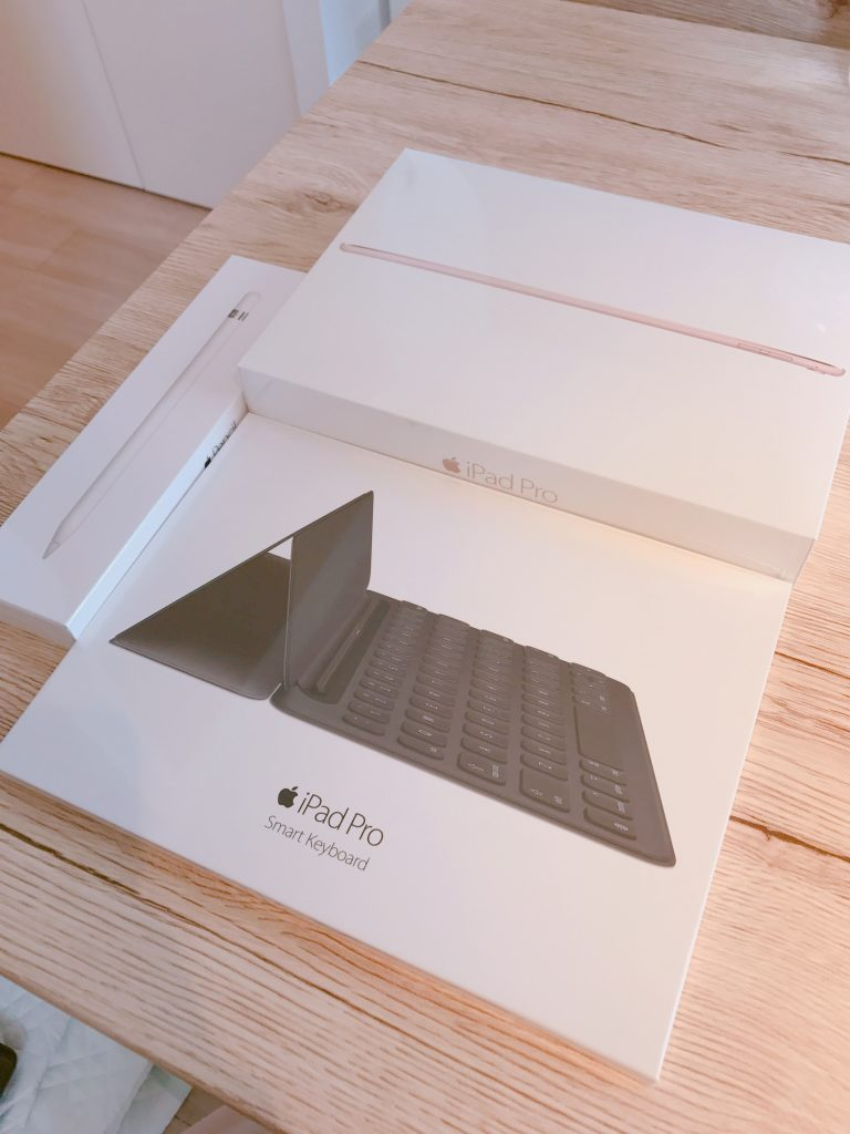 iPad Pro9.7インチ、キーボード、ApplePencil
