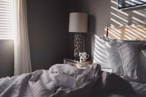 生理前・生理中の眠気と集中力低下と憂鬱がすごい…それってPMS・PMDDかも?