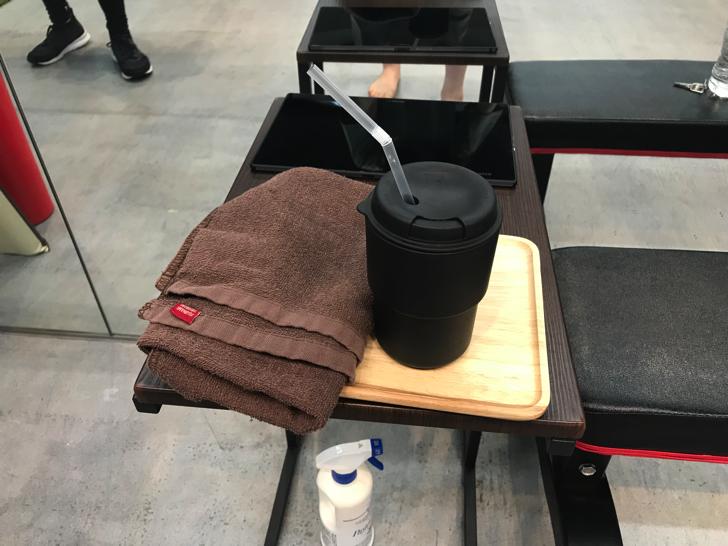 水素水とタオル